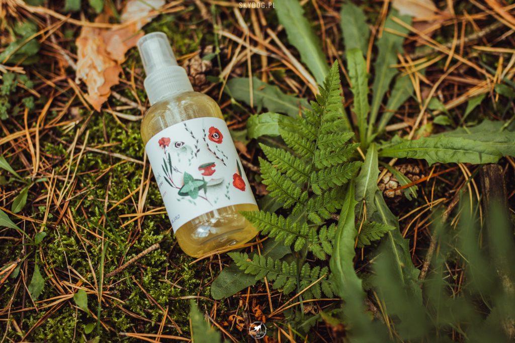 naturalny olejek w sprayu od Positivecare w akcji